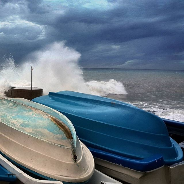 I'm not afraid of STORMS..☈I'm learning how to sail my boat..🚣... (Corniche Manara Beyrouth)